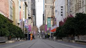 Koronavirus v Austrálii: V Melbourne platí přísná karanténní opatření, na jejichž dodržování dohlíží armáda a policie.