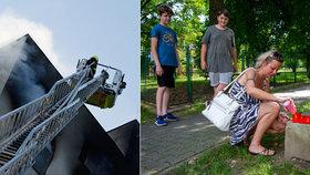 V Bohumíně po tragické požáru, při kterém v sobotu 8. srpna zemřelo 11 lidí, vzniklo pietní místo.