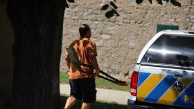 Policie pokračuje ve vyšetřování u domu Paurových