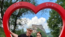 Poslanec STAN Petr Gazdík s manželkou a synem na Slovensku: Vyrazili na řeku Oravu.