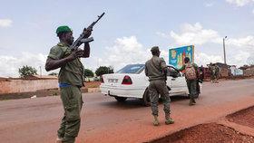 V Mali po vzpouře vojáků došlo k rezignaci prezidenta.