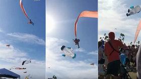 Holčičku (3) unesl obrovský drak, létala 30 metrů nad hlavami vyděšených diváků!