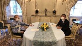 Prezident Miloš Zeman přivítal na večeři v Lánech premiéra Andreje Babiše (ANO).