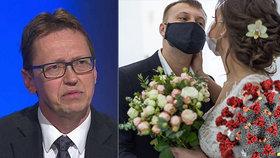 Epidemiolog Chlíbek: Omezí se kvůli viru svatby a budou podniky přidávat židle?