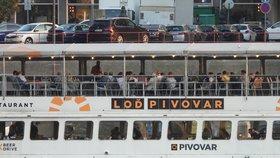 Setkání členů pražského ANO na lodi Pivovar. (22.9.2020)
