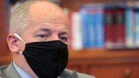 Ministr zdravotnictví Roman Prymula (za ANO) v rozhovoru pro Blesk promluvil o zákazu vycházení, polní nemocnici v Letňanech (15. 10. 2020)