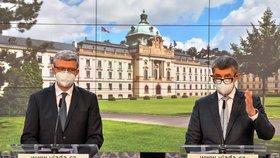 Ministr dopravy průmyslu a obchodu Karel Havlíček (ANO) a premiér Andrej Babiš (ANO) na tiskové konferenci po jednání vlády ohledně dalších opatření proti epidemii koronaviru (21.10.2020)