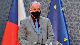 Ministr zdravotnictví Roman Prymula (za ANO) na tiskové konferenci po jednání vlády ohledně dalších opatření proti šíření koronaviru (21.10.2020)