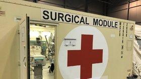 V Letňanech staví Armáda ČR polní nemocnici, která má sloužit hlavně pro následnou péči a doléčení pacientů, kteří prodělali nemoc covid-19. Bude tu celkem 500 lůžek.