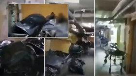 Ve sklepení sibiřské nemocnice se nahromadili mrtví s koronavirem.