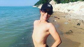Máma (41) přišla kvůli rakovině o obě prsa: Naučila se milovat svůj plochý hrudník.