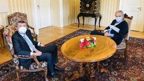 Prezident Miloš Zeman přivítal v Masarykově pracovně předsedu vlády Andreje Babiše. (23. 10. 2020)