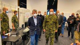 Armáda dokončila přípravu polní nemocnice v pražských Letňanech (25. 10. 2020).