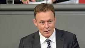 Po náhlém kolapsu zemřel místopředseda Německého spolkového sněmu Thomas Oppermann.