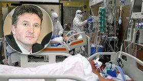 Podle šéfa České lékařské komory Milana Kubka je v Česku aktuálně nakažených přes 13 tisíc zdravotníků.