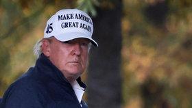 Americký prezident Donald Trump po návratu do Bílého domu vypadá ze své prohry viditelně nešťastně (7.11.2020)