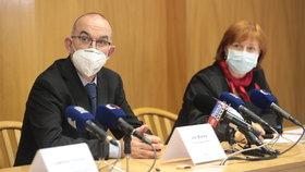 Jan Blatný a hlavní hygienička Jarmila Rážová na tiskovce ministerstva zdravotnictví (13.11.2020)