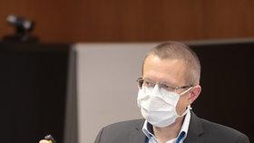 Šéf statistiků ÚZIS Ladislav Dušek na tiskovce ministerstva zdravotnictví (13. 11. 2020)