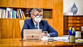 Premiér Andrej Babiš (ANO) na videocallu se senátory o daňovém balíčku (25.11.2020)