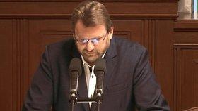 Debata o očkování proti covid-19 ve Sněmovně: Poslanec Lubomír Volný