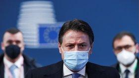 Italský premiér Giuseppe Conte na summitu evropských lídrů v Bruselu (10. 12. 2020)
