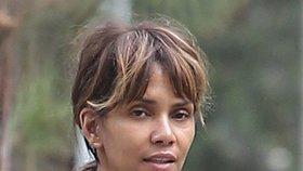 Halle Berryová bez makeupu vypadá minimálně o 10 let starší