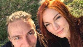 Šéf Pirátů Ivan Bartoš s manželkou Lydií Frankou
