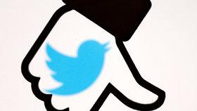 Údajná cenzura se strany sociálních sítí rozvířila v posledních dnech debatu.