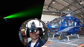 Cizinec piloty oslnil silným zeleným laserem.