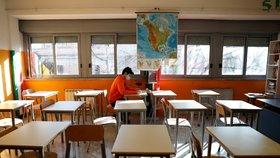 Koronavirus v Itálii: Studenti v Římě mohou ještě chodit do školy (18. 1. 2021).