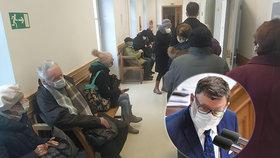 Kvůli problémům s očkováním seniorů 80+ v Česku se do vlády pustil Zbyněk Stanjura (ODS)