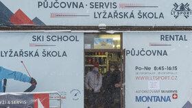 Skiareál Telnice chtěl v sobotu 23. 1. 2021 otevřít, zatrhla to ale policie.
