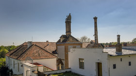 Pivovar v Dalešicích vznikl na přelomu 16. a 17. století. Poté, co mu dokonce hrozila demolice, se v něm od roku 1999 znovu vaří pivo.