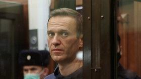 Ruský opozičník Alexej Navalnyj při jednání soudu (2.2.2021)