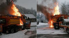 Požár silničního sypače na Uherskohradišťsku