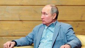Ruský prezident Vladimir Putin přivítal v černomořském letovisku Soči svého běloruského spojence Alexandra Lukašenka (22. 2. 2021)