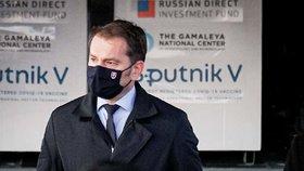 Igor Matovič slavnostně přebral dodávku vakcíny Sputnik V.