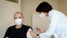 Očkování proti koronaviru v Německu (6. 4. 2021)
