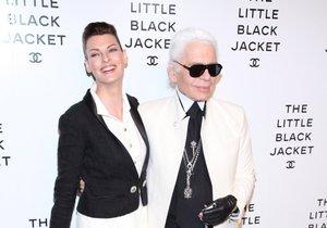 Linda Evangelista a Karl Lagerfeld v černobílé klasice
