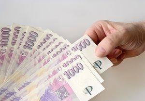 Průměrná mzda v Česku byla ve třetím čtvrtletí přes 27 tisíc korun.
