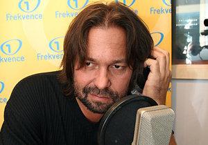 Jiří Pomeje byl několik let i rozhlasovým moderátorem.