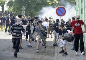 Den velkých protiromských protestů je tu: Policie se připravuje na řádění radikálů!