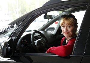Herečka Batulková mizí z politiky. Beze slova opustila Koloděje, tvrdí starostka