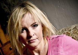 Iveta Bartošová spáchala sebevraždu v den narozenin svého manžela.