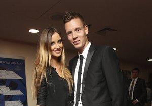 Tomáš Berdych si v Monaku vzal svoji dlouholetou přítelkyni Ester Sátorovou.