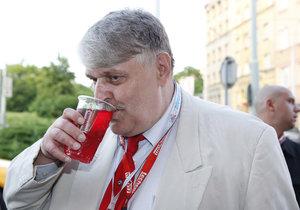 Pivu Jonák neodolal.