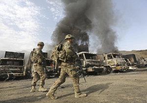 V Afghánistánu zahynula v červenci 2014 pětice českých vojáků po útoku sebevražedného atentátníka. (ilustrační foto)