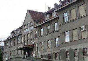 Rumburský lékař odmítl ošetřit pacienta: Dostal pokutu 150 tisíc! V nemocnici ale dělá dál