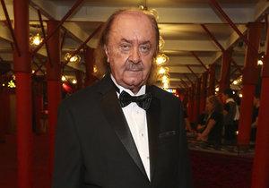 Sedmdesátiny oslavil Janeček spolu s premiérou Fantoma opery. Aplaudovala mu vestoje celá branže.