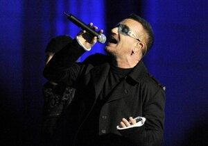 Bono utrpěl při pádu z kola celkem 5 zlomenin. Museli ho sešroubovat pláty a 18 šrouby.